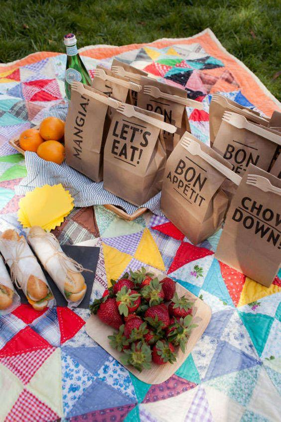 Personalized meal boxes at weddings